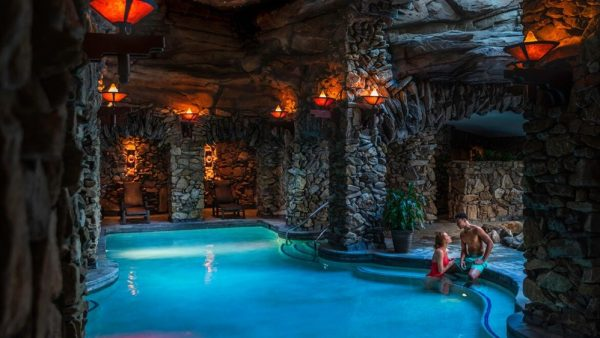 gpirst-omni-grove-park-inn-couple-in-indoor-spa-pool